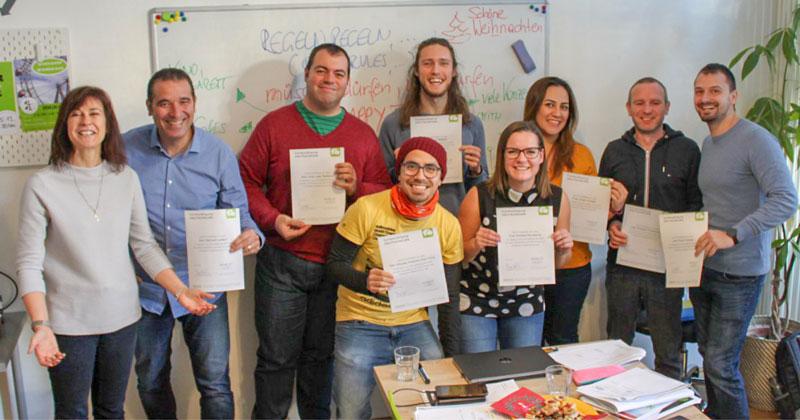 Gruppenfoto - Deutschkurs AbsolventenInnen