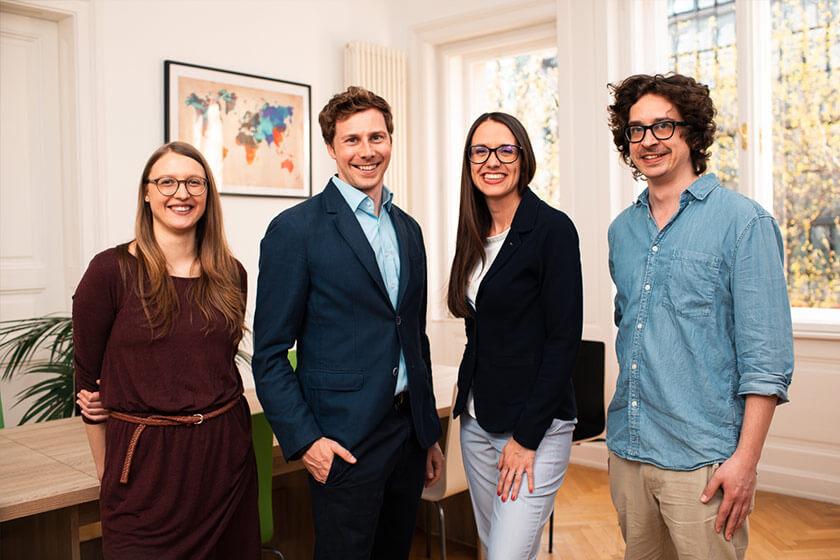 Team der Sprachschule Dialog in Wien